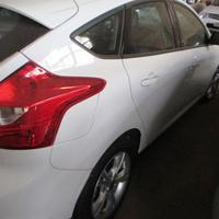 Ford Focus SE AT 1.6 H - Automático - 2015